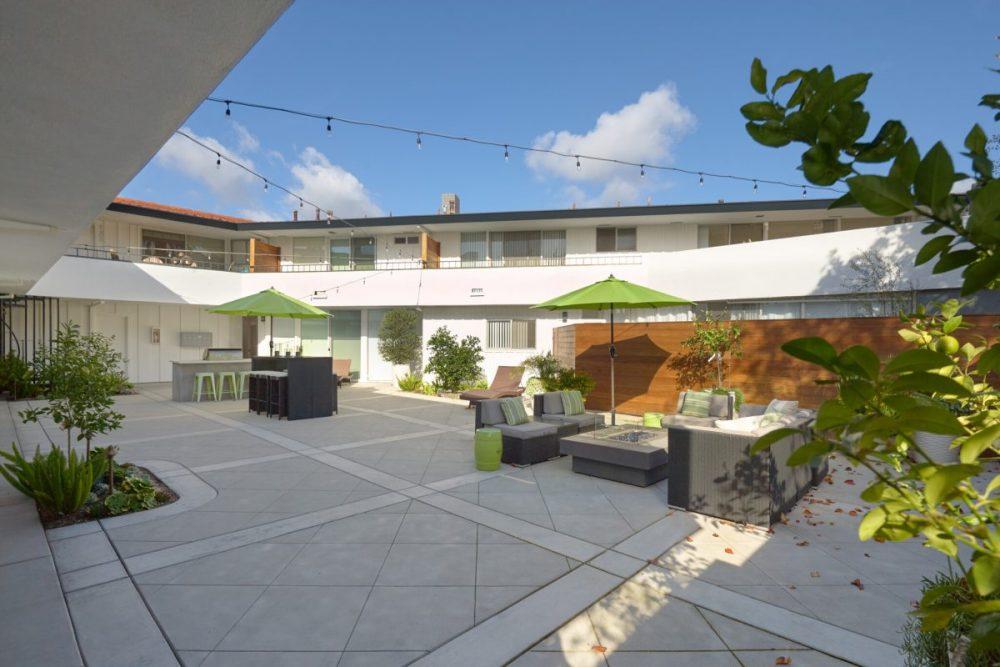 Luxury 6 unit apartment building in Newport Beach, CA