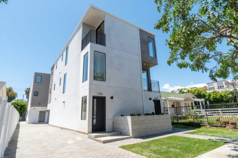 Modern 4 Unit Property in White with outdoor area